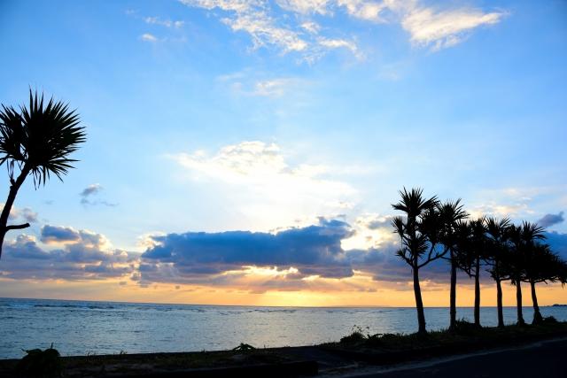 「奄美大島はサーフィンの聖地!?おすすめポイントやサーフショップ、スクールをご紹介!」のアイキャッチ画像